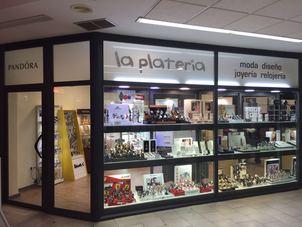 Ahora tambien en CC Carrefour, con un horario mas amplio para facilitar sus compras